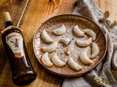 Amarula Vanillekipferl | Kuchen und Gebäck Rezept auf Kochrezepte.de von amarula Merry Christmas, Stuffed Mushrooms, Pie, Cookies, Vegetables, Desserts, Advent, Food, Festivus