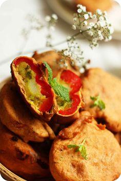 Stuffed Capsicum Pakoda or Pakora Recipe | Spicy Potato Stuffed Bell Pepper Fritter