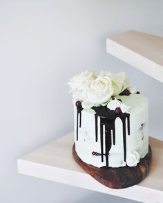 Mint chocolate cake Mint Chocolate, Chocolate Cake, Kawaii, Desserts, Food, Chicolate Cake, Tailgate Desserts, Chocolate Cobbler, Deserts