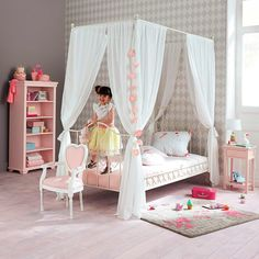 Maisons du Monde, girls canopy bed