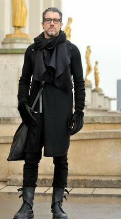 street style, menswear, all black, Rick Owens Dark Fashion, Urban Fashion, Mens Fashion, Gothic Fashion Men, Fashion Boots, Street Fashion, Mode Alternative, Alternative Fashion, Mode Masculine