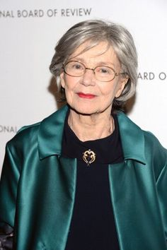 Emmanuelle Riva won the Best Actress award for the film 'Amour' at the BAFTA Film Awards, held at the Royal Opera House in London, on February 2013 Beauty Secrets, Beauty Hacks, Best Actress Award, French Actress, When I Grow Up, Film Awards, Picture Photo, Pop Culture, Photo Galleries