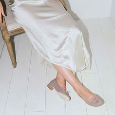 A moment in Nili Lotan and Repetto #silk #ballerina #heels #style #thedreslyn