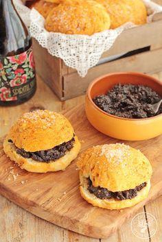Cocinando entre Olivos: Ochíos de pimentón con morcilla típicos de Jaén. Receta paso a paso