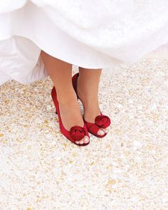 Its nice to add a touch of colour and red is so sexy #wedding