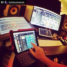 An awesome Virtual Reality pic! #Repost @bobbybeebob  I need more screens. MORE SCREENS I TELL YA!! All the right tools here baby!! @duetdisplay @slatedigital #plugins  @audientworld #id22 #interface @wacomanz #cintiq #touchscreen @steinbergmedia #Cubase . . #wacom #slatedigital #stevenslate #audient #international #recordlabel #5050GlobalEDM #VR #virtualreality #producer #singer #songwriter #bobbybeebob #bmg #melbourne #australia #usa  #brand #PR #blog #fashionista #urban #business by…
