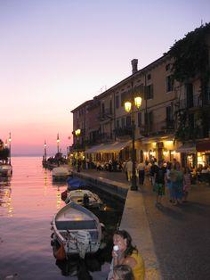 Romantic Italy, Lasize