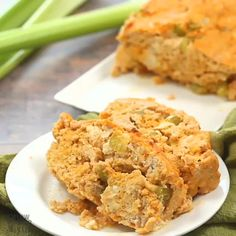 Weight loss recipes videos: Buffalo Chicken Wings Discover how to burn belly fat fast with the best Pollo Buffalo, Buffalo Chicken, Keto Pudding, Pudding Recipes, Sin Gluten, Gluten Free, Chicken Meatloaf, Weight Loss Meals, Fat Loss Diet