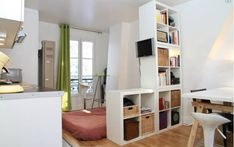 Bastille studio flat - view rooftop in Paris Studio Living, Studio Room, Tiny Apartments, Tiny Spaces, Room Deviders, Room Of One's Own, Furnished Apartment, Flat Ideas, Kallax