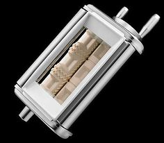 Learn about features and specifications for the Pasta Roller & Cutter Set (KPRA)
