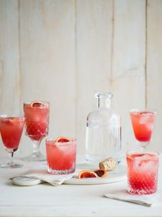 Blood Orange Gin and Tonic. 17 Creative Gin And Tonic Cocktails Gin Tonic, Gin & Tonic Cocktails, Gin Fizz, Classic Cocktails, Cocktail Drinks, Cocktail Recipes, Alcoholic Drinks, Tonic Water, Beverages