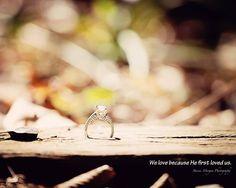 engagement photography - engagement ring photo
