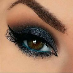 30 aye make up sieht braun aus ayes # fashionminis . - 30 aye Make-up sucht nach braunen ayes # fashionminis - Eye Makeup Cut Crease, Smokey Eye Makeup, Eyeshadow Makeup, Skin Makeup, Fall Eyeshadow, Blue Eyeshadow For Brown Eyes, Bright Eyeshadow, Black Smokey, Smokey Eye For Brown Eyes
