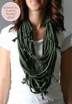 DIY Knotty Scarf (not a very descriptive tutorial but if you know how to macrame this is the same style)
