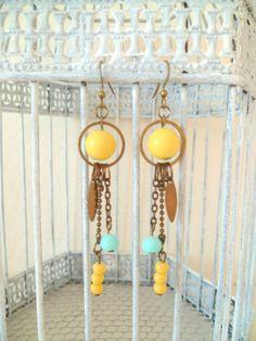 BO Shabby Chic Jewelry, Gypsy Jewelry, Beaded Jewelry, Jewellery, Yellow Earrings, Bead Earrings, Handcrafted Jewelry, Earrings Handmade, Bijoux Diy