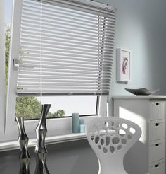 Easy Fix aluminium venetian blinds are made for tilting windows and skylights Blinds For Windows, Window Blinds, Types Of Blinds, Stores, Window Treatments, Skylights, Curtains, Living Room, Venetian