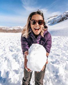 """13073185f Amandinha • Prefiro Viajar on Instagram  """"❄ QUE DIAAA! Levei tão a sério  esse negócio de brincar na neve que até perdi a bota meu povo (calma que  era ..."""