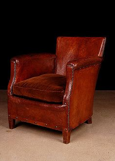 French Vintage Leather Club Chair OMG love it with a chess table and a cigar