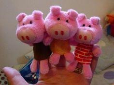 Le loup et les 3 petits cochons de Liliputiens ont envahi la chambre de Miss couette du Blog LMO