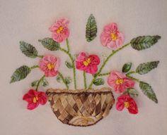 Risultati immagini per bordado livre Silk Ribbon Embroidery, Hand Embroidery, Napkins, Flowers, Diy, Ribbon Flower, Image, Ribbon Work, Towels