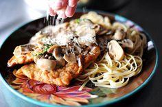 Chicken Scallopine -- by Ree Drummond  Link: http://thepioneerwoman.com/cooking/chicken-scallopine/