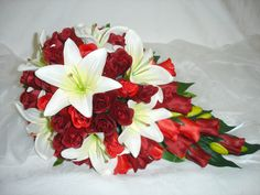 Bouquet idea white and red theme