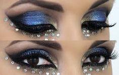Post de hoje: Como Fazer Maquiagem de Carnaval Com Glitter #maquiagemcomgliter Veja link  http://maquiagenspassoapasso.com.br/como-fazer-maquiagem-de-carnaval-glitter/