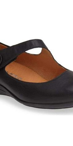 bbc8b4f00a057 9 Cute Shoes That Won t Hurt Your Bunions