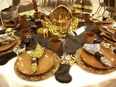 Safari-decorations-for-dining-table Safari Jungle Party Theme. African Interior, African Home Decor, Safari Decorations, Table Decorations, Reunion Decorations, Outdoor Decorations, Centerpieces, Wedding Decorations, African Party Theme