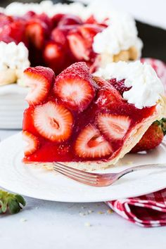 There's not much better than a hot summer day and the best fresh strawberry pie made with jell-o! Don't panic, we can show you how to make strawberry pie easy! Fresh strawberries are piled into a homemade pie crust and covered in a sweet strawberry glaze! Best Fresh Strawberry Pie Recipe, Strawberry Jello Pie, Strawberry Desserts, Strawberry Shortcake, Summer Desserts, Homemade Chicken Pot Pie, Homemade Pie, Dessert Cake Recipes, Pie Recipes