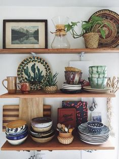 Pad Peek: Anna's Experimental Vintage Boho Home - Anna Louise Harris, a California native who grew up east of San Francisco, migrated to the Pacific - Decor, Home Kitchens, Boho Kitchen, Kitchen Decor, Vintage House, Vintage Boho, Vintage Home Decor, Home Decor, House Interior