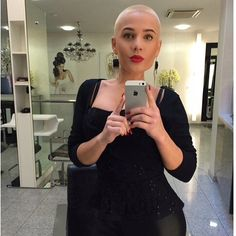 Haircut, headshave and bald fetish blog   for people who are bald fetish, haircut fetish fan or who want to see extreme hairstyles, bald beauty girls, shorn napes and short cuts for women. But please DO NOT disturb the girls only watch them!