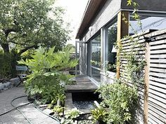 Modern Garden House in Vancouver; central, private, and quiet.