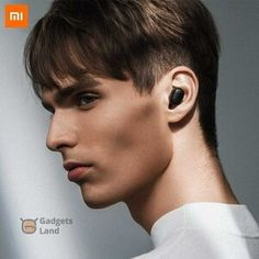 # casuals dress for men's # men fashion # men's outfits casual # men fashion 2019 # men travel wear Wireless Headphones With Mic, Headphone With Mic, Mousse, Smart Casual Men, Listen To Song, Data Transmission, Robins, Headset, A Good Man