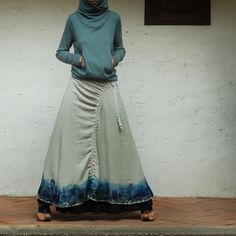 Chinese ink and wash painting layered skirt Beach Outfits, interesting spot for gathering strings. would definitely make it easier to climb stairs in a maxi skirt! Look Fashion, Hijab Fashion, Fashion Shoes, Handmade Skirts, Skirt Tutorial, Layered Skirt, Cute Skirts, Looks Cool, Mode Style