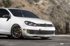 The GTI you see here is the weekend warrior of one of VMR Wheels' customers, and we were fortunate enough to have access to a photoshoot of his beautiful c
