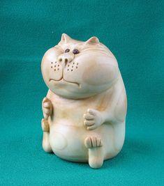 Cat - Wooden figurine, hand carving #catfigurine #wooden #cutecat