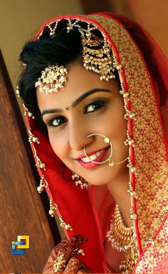 Bridal Makeup Images, Indian Bridal Makeup, Asian Bridal, Beautiful Girl In India, Most Beautiful Indian Actress, Beautiful Saree, Beautiful Bride, Indian Wedding Photography Poses, Photography Couples