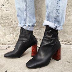 rumineely:  Sock boots