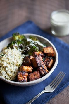 My Favorite Lemon Pepper Baked Tempeh Cubes + Lemon Pepper Tempeh and Herbed Rice Bowl | The Full Helping