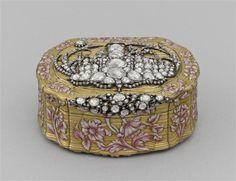 Snuff Box ~ French, 18th Century ~ Gold, Diamonds, enamel
