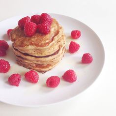 Whole wheat oatmeal pancakes with raspberries ✿