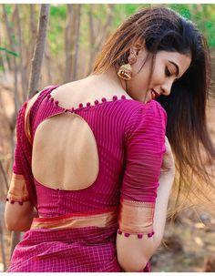 Blouse Designs High Neck, Cotton Saree Blouse Designs, Cutwork Blouse Designs, Simple Blouse Designs, Stylish Blouse Design, Bridal Blouse Designs, Design Of Blouse, Blouse For Silk Saree, Salwar Neck Designs