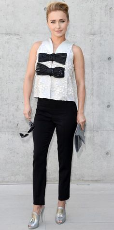 Look of the Day › June 25, 2013 WHAT SHE WORE At the Giorgio Armani menswear presentation, Hayden Panettiere was all dolled up in the brand's bow-embellished sleeveless top and black pants that she paired with silver-gold tasseled heels and a gray clutch.