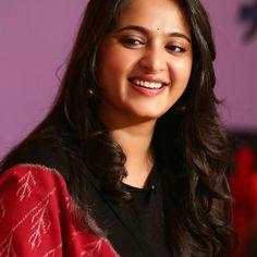 South Indian Actress, Beautiful Indian Actress, Beautiful Actresses, Beautiful Women, South Actress, Actress Anushka, Tamil Actress, Bollywood Actress, Prabhas And Anushka