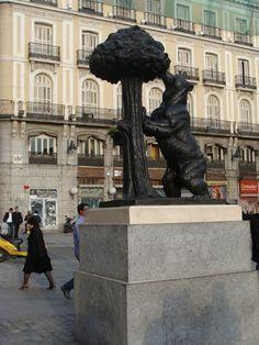 El oso y el madroño. Puerta del Sol. Madrid, Spain