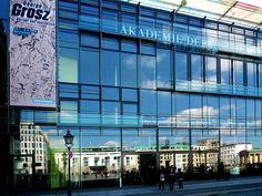 Jeden ersten Sonntag im Monat freier Eintritt zur #Akademie der Künste #Berlin / Visit The Akademie der Künste Berlin, free entrance 1st Sunday of every month [Foto: Manfred Brückels, Lizenz: CC-BY-SA-3.0 (http://creativecommons.org/licenses/by-sa/3.0/)]