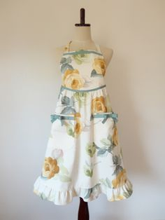 Pretty apron..... free pattern