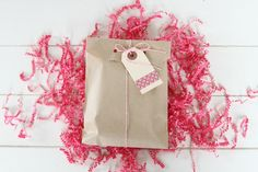 This listing is for 150 Kraft Brown Paper Bags 5 x 7.5 inches.Their size makes them perfect for treats, a unique envelope for a card and also