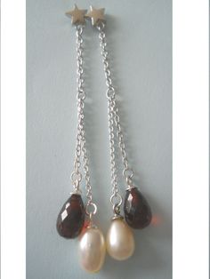 J1B9 : Silver stars,Pink pearls and Red indian Garnet earrings from Crimeajewel